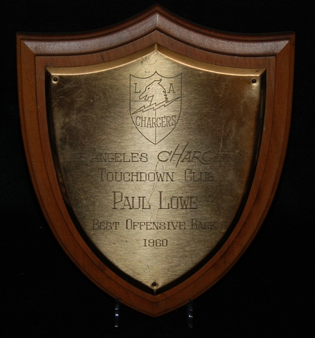 Paul_lowe_1960_los_angeles_chargers_best_offensive_back_award_medium