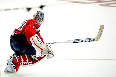 Holtby_heads_to_bench_medium