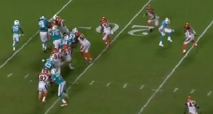 Johnson_shoves_mckinnie_into_running_lane__engages_te_medium