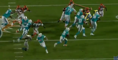 Dunlap_forces_pouncey_block_medium