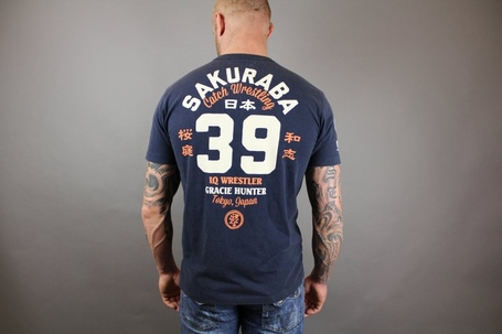 Saku-tshirt-back_medium