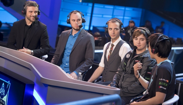 League_of_legends_world_championships_analyst_desk