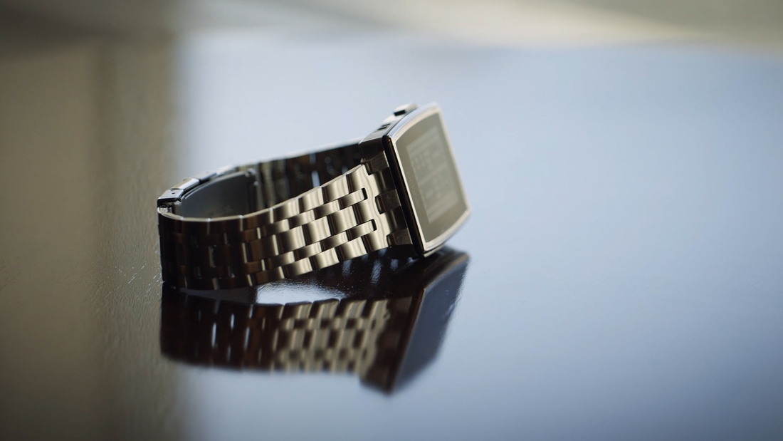 Vho_128_pebble_steel_still