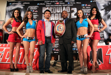 Pacquiao_bradley_la_pc_140204_002a_medium