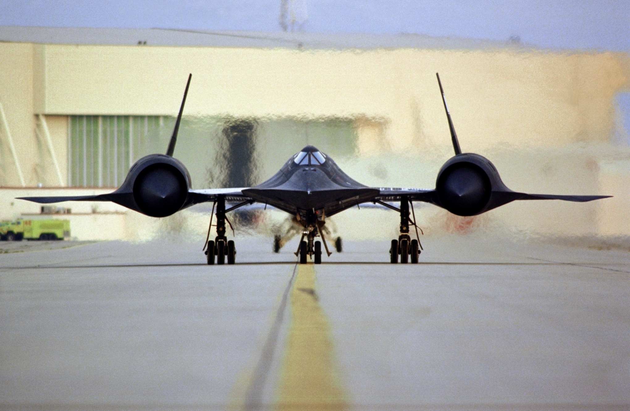 Sr-71a_head-on_nasa_dryden_1995_medium