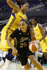 San Antonio Silver Stars guard Becky Hammon was a bit more determined to make the playoffs than anyone else in an 82-65 win in Los Angeles on Tuesday night. Photo by Craig Bennett/112575 Media.