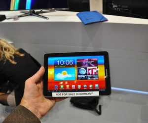 Galaxy-tab7p7-hands-on500pn_large