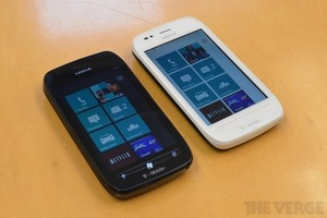 Nokia Lumia 710 both 1024