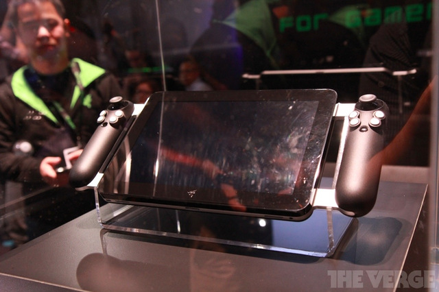 Gallery Photo: Razer Project Fiona tablet close-up photos