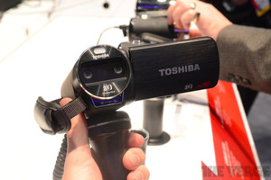 Gallery Photo: Toshiba Camileo Air10 and Z100 hands-on pictures