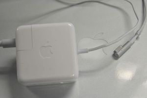 Mac power cable
