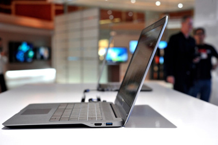 Gallery Photo: Vizio thin-and-light laptops first hands-on!