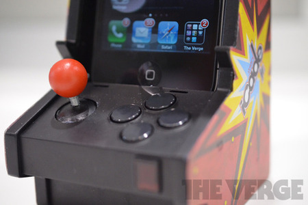 Gallery Photo: Ion iCade Mobile, iCade Jr., and iCade Core hands on photos