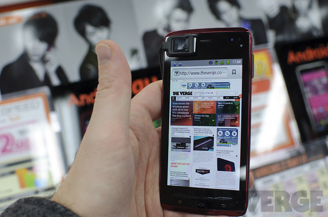 Gallery Photo: 6.7mm Fujitsu Arrows ES IS12F hands-on photos