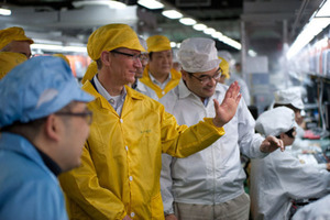 tim cook china via bloomberg