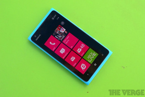 Gallery Photo: Nokia Lumia 900 review pictures