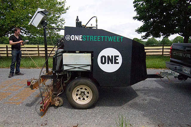 One Street Tweeter