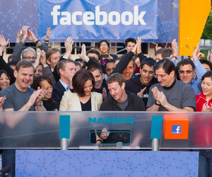 Facebook-zuck-nasdaq-bell_large_large