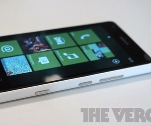 Lumia 900 white