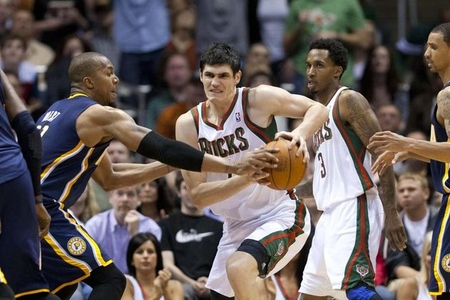 Will Ersan Ilyasova (7) don the orange and purple next season?
