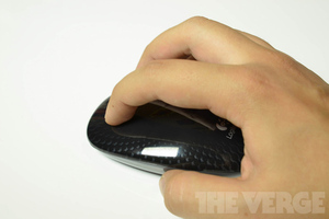 Gallery Photo: Logitech Touch Mouse M660 hands-on photos