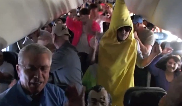 Harlem Shake on a plane 640