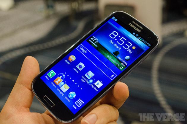 Samsung-galaxy-s-iii-pebble-blue-4_1020_large