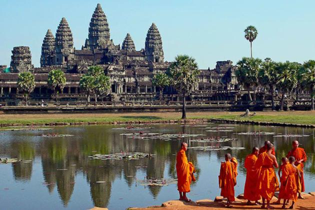 Angkor_wat_large