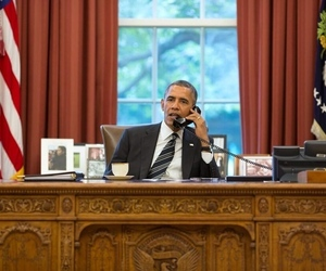 obama on phone with iran (pete souza)