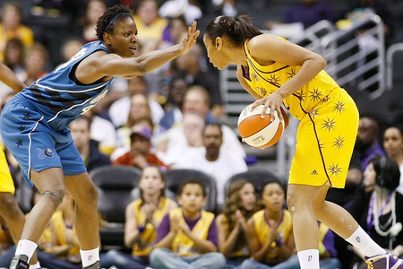 http://cdn1.sbnation.com/entry_photo_images/905480/la_sparks___washington_mystics_038_large.jpg