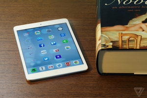 iPad mini with Retina display 1024px