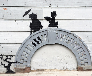 Banksy Geisha Bridge NYC (Sam Sheffer)
