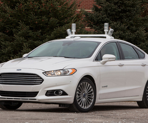 ford fusion hybrid research vehicle (FORD)
