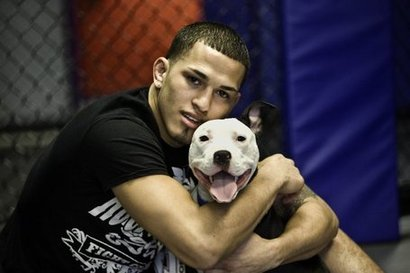 Anthony-pettis-casual-with-a-dog_medium