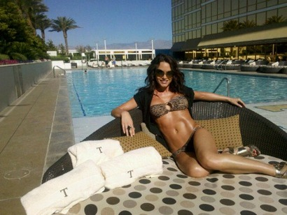 Rachel_leah_pool_side