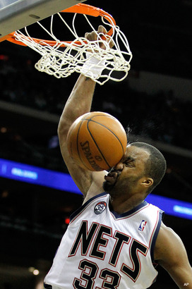 Shelden-williams-dunk-face