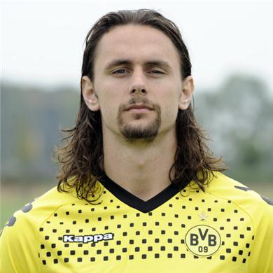 Chelsea-target-neven-subotic-happy-at-borussia-dortmund-95292