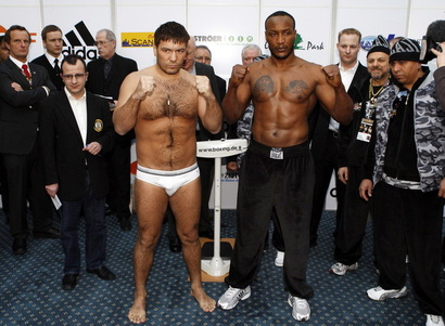 1af834d3b9e5582b0776f1f6c75d8a4b-getty-boxing-heavyweight-wba-uzb-cri-chagaev-drumond