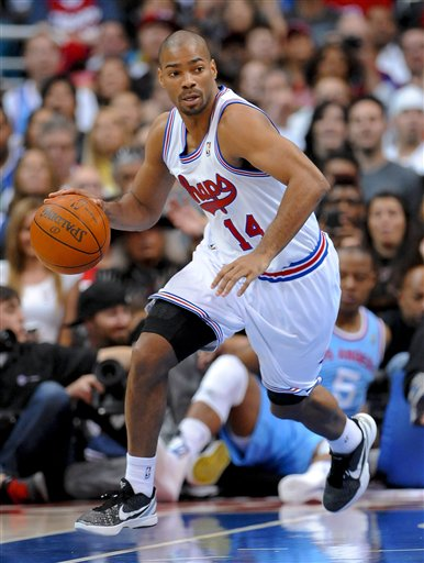 120160_spurs_clippers_basketball_medium