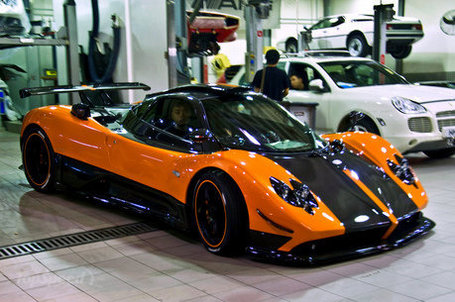 Orange-pagani-zonda--1_460x0w_medium_medium
