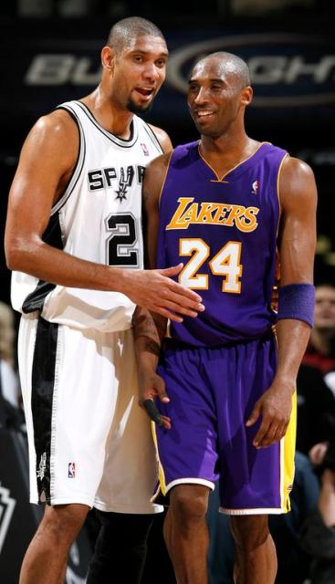 Kobe_bryant_has_a_laugh_with_tim_duncan_jpg_medium