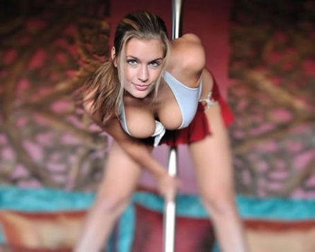 91_20sexy_20pole_20dancer_20cleavage_medium
