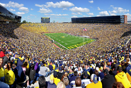 800px-michigan_stadium_2011_medium