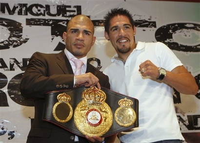 Miguel-cotto-margarito2_medium