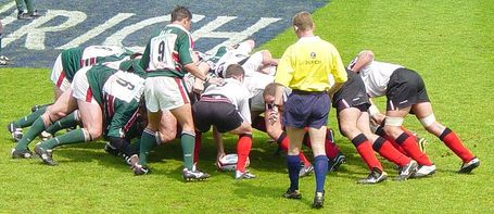 800px-rugby_union_scrummage_close_up_medium