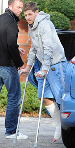 gerrard liverpool hospital cast injury