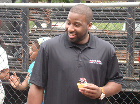 Raymond-felton-cupcake_large_medium