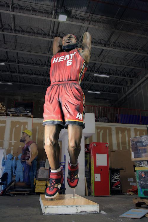 LeBron statue 2