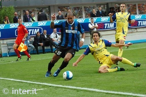 Adriano takes on Chievo.