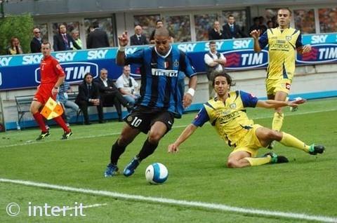 Adriano takes on Chievo.